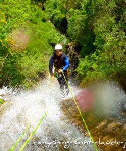canyoning suspendu à saint claude jura canyondu flumen pays de gex geneve lausanne nyon lyon