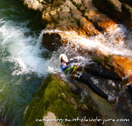 Canyoning sportif à la journée entre amis à Saint Claude dans le Jura