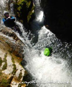 canyoning sportif à saint claude dans le jura canyon de coiserette grosdar pays de gex geneve lausanne nyon lyon